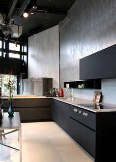 Black Kitchens, Home Kitchens, Kitchen Dining, Kitchen Cabinets, Interior Architecture, Interior Design, Minimal Living, Kitchen Images, Kitchen Interior