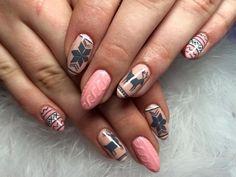Ciekawy manicure