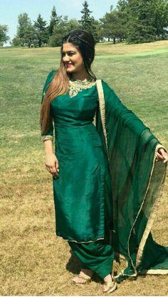 New Punjabi Suit Design New Punjabi Suit, Punjabi Salwar Suits, Punjabi Dress, Designer Punjabi Suits, Indian Designer Wear, Salwar Kameez, Patiala Suit, Churidar, Embroidery Suits Punjabi