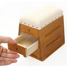 From Japan Hiroshima Toyota industry, hand-made wooden storage box.  Imitate the primary school physical education class jump box, let you recall chil...