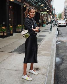All Black Outfits to Copy Ganz schwarzes Outfit / Streetstyle Fashion / Fashion Week Week Mode Outfits, Skirt Outfits, Casual Outfits, Fashion Outfits, Fashion Tips, Fashion Trends, Woman Outfits, Color Fashion, Ootd Fashion