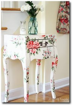 Lovely decoupage ideas here.....