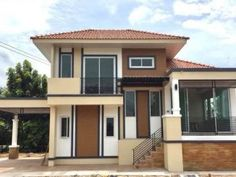 2 Storey Modern Asian Designed House with 4 Bedrooms - House And Decors Narrow House Designs, Small House Design, Modern House Design, Modern Bungalow House, Duplex House, Modern Architectural Styles, Small Modern House Plans, One Storey House, House With Balcony
