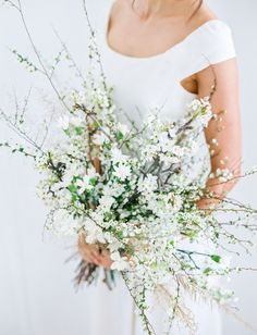 best + most popular wedding bouquets of 2016 // Minimalistic White Branch Bouquet