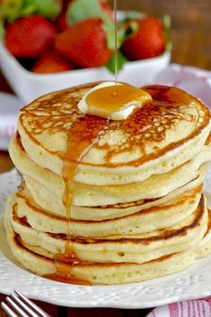 These are the BEST Buttermilk Pancakes. You are going to want to make this recipe again and again. This is such a fluffy buttermilk pancake recipe. Brunch Recipes, Easy Dinner Recipes, Breakfast Recipes, Pancake Recipes, Breakfast Ideas, Super Healthy Recipes, Keto Recipes, Bread Recipes, The Best Buttermilk Pancake Recipe