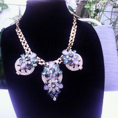 Statement Beautiful neckless Gold color chain with teal color , milky and clear stones NWT Natasha Jewelry
