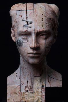 Christian Zucconi - TESTA V (2015). Stone, iron and wax 21.5 x 24 x 39 cm.