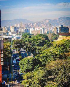 Te presentamos la selección del día: <<POSTALES DE CARACAS>> en Caracas Entre Calles. ============================  F E L I C I D A D E S  >> @shootandview << Visita su galeria ============================ SELECCIÓN @mahenriquezm TAG #CCS_EntreCalles ================ Team: @ginamoca @luisrhostos @mahenriquezm @teresitacc @floriannabd ================ #postalesdecaracas #Caracas #Venezuela #Increibleccs #Instavenezuela #Gf_Venezuela #GaleriaVzla #Ig_GranCaracas #Ig_Venezuela #IgersMiranda…