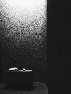 Light + Shadow, Chapelle de Ronchamp - Notre Dame du Haut / Le Corbusier