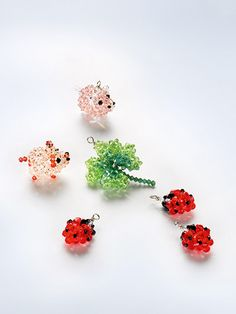 Lady Bug, Pig, 4 leave clover.  pdf. instructions:  http://www.create-your-style.com/Content.Node/service/downloads/Lady_Bug_Keyrings.pdf