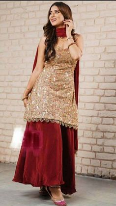 Party Wear Indian Dresses, Designer Party Wear Dresses, Indian Fashion Dresses, Pakistani Dresses Casual, Indian Bridal Outfits, Indian Gowns Dresses, Kurti Designs Party Wear, Dress Indian Style, Pakistani Dress Design