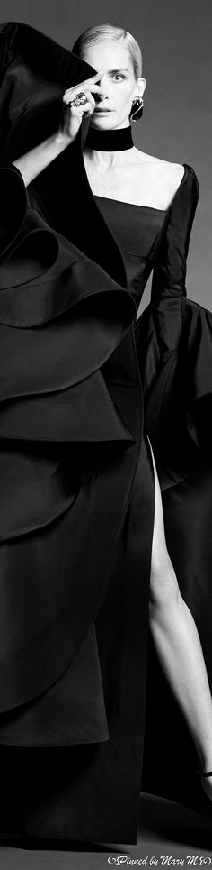 Ashi Studio, White Fashion, Classic Fashion, F21, Classic Style, Fashion Photography, Photoshoot, Statue, Couture