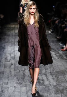 Cara Delevingne au défilé Nina Ricci automne-hiver 2012-2013
