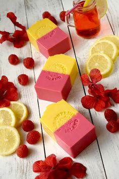 Handmade Soap Recipes, Soap Making Recipes, Handmade Soaps, Best Lemonade, Raspberry Lemonade, Diy Savon, Homemade Lemonade Recipes, Whipped Soap, Soap Maker