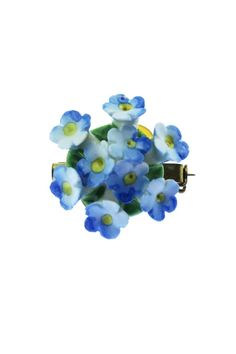 This blue china flower brooch features a cluster of small blue forget-me-not flowers on a green base. Forget Me Not, Blue China, Flower Brooch, Retro, Brooches, Green, Flowers, Vintage, Products