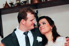 ♥♥♥  Casamento real da Dayane e do Daison Um casamento real todo feito à mão pela noiva, pelo noivo e por suas famílias. Inspiração e muito DIY para você se apaixonar! http://www.casareumbarato.com.br/casamento-real-dayane-daison/