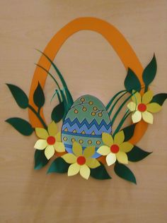 Decoração de ovo de Páscoa. Easter Arts And Crafts, Easter Projects, Paper Crafts For Kids, Spring Crafts, Preschool Crafts, Holiday Crafts, Diy And Crafts, Easter Activities, Easter Wreaths