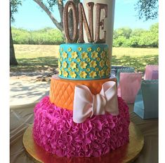 The Stir-20 Most Extraordinary First Birthday Cakes for Little Girls (PHOTOS)