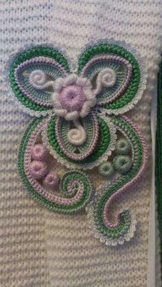 Crochet Butterfly Free Pattern, Crochet Leaf Patterns, Crochet Flower Tutorial, Crochet Designs, Crochet Flowers, Freeform Crochet, Crochet Art, Crochet Motif, Crochet Stitches