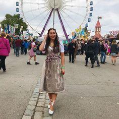 At Wasen in Stuttgart 🍂🎡🎈 Dirndl from MarJo #wasen #wasn #oktoberfest #bestday #dirndl #dirndlfrisur #germany #outfitpost #ootd #potd #instame #instastyle #fashiongram #fashiondaily #styleinspiration