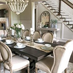 31 The Best Modern Farmhouse Dining Room Decor Ideas Dining Room Table Decor, Dining Room Design, Console Table, Dinning Room Ideas, Formal Dinning Room, Dining Table Decor Everyday, Dining Room Decor Elegant, Eat In Kitchen Table, Classic Dining Room