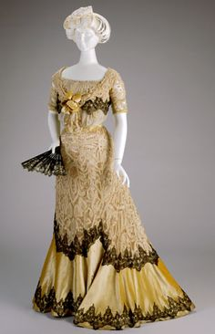 EVENING DRESS: BODICE AND SKIRT  1900-1902