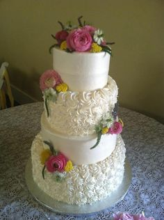 classic elegant wedding cake   Classic #wedding cake with live flowers, this ...   Cake & All Things ...