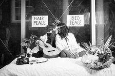 John Lennon & Yoko Ono Bed Peace Photobooth by PaardenKracht