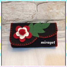 mirayet.blogspot.com Felt Diy, Felt Crafts, Felt Case, Cat Pillow, Felt Decorations, Pencil Pouch, Easy Diy Crafts, How To Make Paper, Quilling