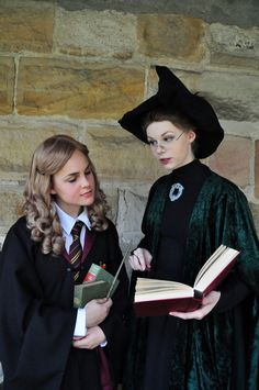 Harry Potter Costumes Cosplay Friday: Harry Potter by techgnotic on DeviantArt Hermione Granger Costume, Harry Potter Cosplay, Harry Potter Halloween, Harry Potter Cast, Harry Potter Characters, Harry Potter Costumes, Hot Halloween Costumes, Halloween Cosplay, Cool Costumes