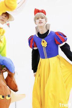 #Doyum ~ #1THE9 ~ #UnderNineteen ~ #LikeAMagic My Darling, Mingyu, Kpop Boy, Handsome Boys, Cute Boys, Red Hair, Persona, Wonderland, Snow White