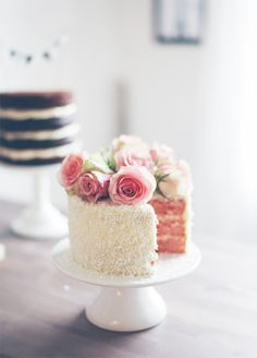 Pink roses wedding cake - also easy to make at home