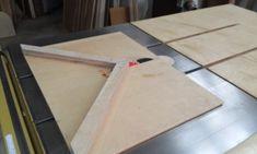 테이블쏘와 놀기 - 4. 없으면 아쉬운 테이블쏘를 위한 지그와 악세사리 10가지 : 네이버 블로그 Wood Tools, Diy Tools, Table Saw, Plastic Cutting Board, Diy And Crafts, Woodworking, Blog, Sierra, Home Decor