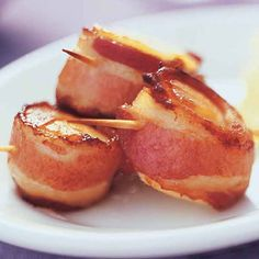 Bacon Wrapped Scallops with Spicy Baconnaise