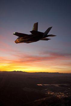 warisstupid: Lockheed Martin F-35A Performs First Night Flight ...