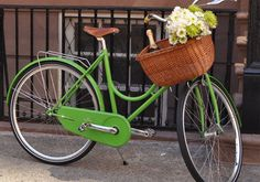 wouldn't you love to ride to the farmer's market in this??