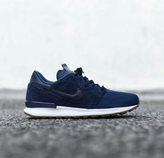 best service cf4cc 92714 Nike Feels the Blues With Latest Air Berwuda PRM Release  Inspired by the  peaceful breezes of Bermuda.