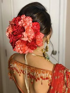 Want to jazz up your red lehenga with exotic flower accessory ? Take a peak at this look, red lehenga styled with red & peach carnations isn't it looking stunning?    #Indianweddings #shaadisaga #indianbridalhairstyles #hairstyleswithflowers #intimatewedding #realflowers #uniquecolourlehenga #babybreaths #lowbun  #exoticflowerhairstyle #carnations Lehenga Style, Red Lehenga, Indian Bridal Hairstyles, Wedding Hairstyles, Real Flowers, Flowers In Hair, Wedding Looks, Wedding Day, Red Peach