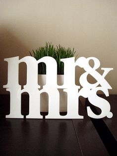 Mr & Mrs Acrylic Sign...use for anniversary photo sessions  (Could also be made by gluing together wooden letters from Hobby Lobby?  #diy #decor)