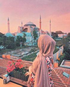 Beautiful Muslim Women, Beautiful Hijab, Beautiful Dresses, Couple Hijab, Hijab Hipster, Niqab Fashion, Fashion Clothes, Fashion Women, Fashion Ideas