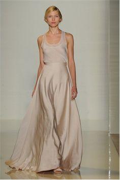 VEstido de dos piezas de Valentin Yudashkin, la caída de esta falda es preciosa.