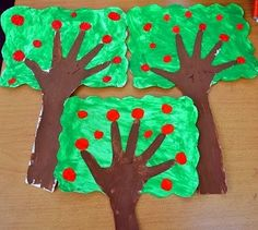 Handprint apple trees- how fun and easy! Kids Crafts, Daycare Crafts, Fall Crafts For Kids, Diy For Kids, Preschool Apple Theme, Apple Activities, Art Activities, Preschool Crafts, Autumn Art