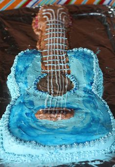 Guitar Cake For The Birthday Boy Georges Baked And Decorated By George Himself Not Bad A 13 Year Old Oh I Think Pete May Have