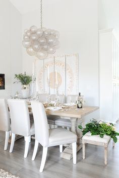 Merry and Light Dining Room Furniture, Dining Chairs, Dining Table, Dining Rooms, Luxury Dining Room, Dining Room Inspiration, Dining Area, Decor Styles, Modern Design