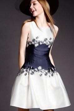 Sleeveless Floral Flare Dress 29.00