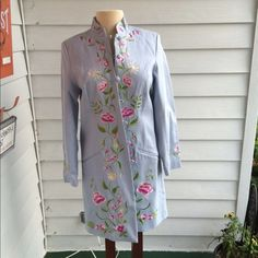 GORGEOUS coat with Mandolin Collar Beautiful embroidery down the front and on the sleeve (see 3rd pic). Silk lined. Can send additional pictures Victor Costa Jackets & Coats