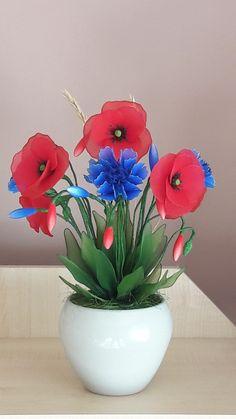 Nylon Flowers, Flower Making, Origami, Planter Pots, Stockings, Clay, Beauty, Silk Stockings, Crochet Flowers