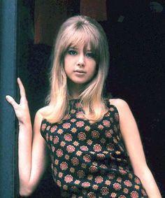 あなたはどっち派?ビートルズの女VSストーンズの女・超絶美少女対決 - いまトピ