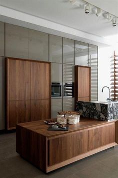53 Favorite Modern Kitchen Design Ideas To Inspire. When it comes to designing the modern kitchen, people typically take one of two design paths. The first path uses modern art as inspiration to creat. Modern Kitchen Interiors, Modern Kitchen Design, Home Decor Kitchen, Interior Design Kitchen, Home Design, Kitchen Ideas, Kitchen Designs, Kitchen Lamps, Kitchen Cabinets