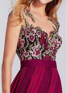 Chic Chiffon Bateau Neckline A-line Prom Dress With Lace Appliques